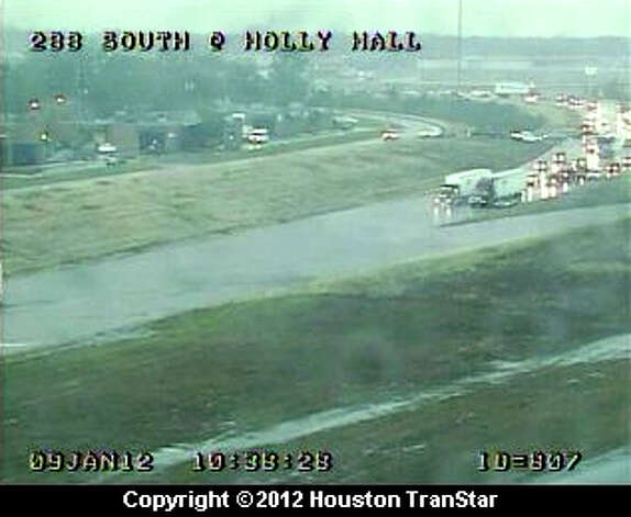 Flooding at Highway 288 at the South Loop 610 around 10:30 a.m. Photo: (Houston TranStar)