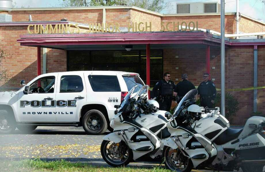 The events at Cummings Middle School unfolded quickly. Think about what officers saw in that hallway. Photo: Brownsville Herald, Paul Chouy