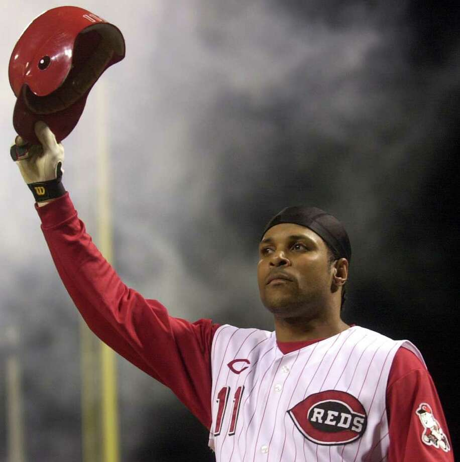 FILE   In This July 28, 2004 File Photo, Cincinnati Redsu0027 Barry Larkin
