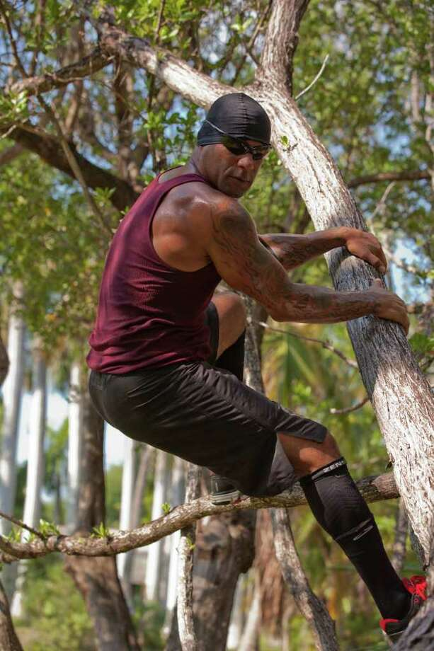 CONEXION -- A former military man who escaped by raft from Cuba, Osmin Hernandez has spent the past several years helping celebrities get in shape. Photo: NUVOTV