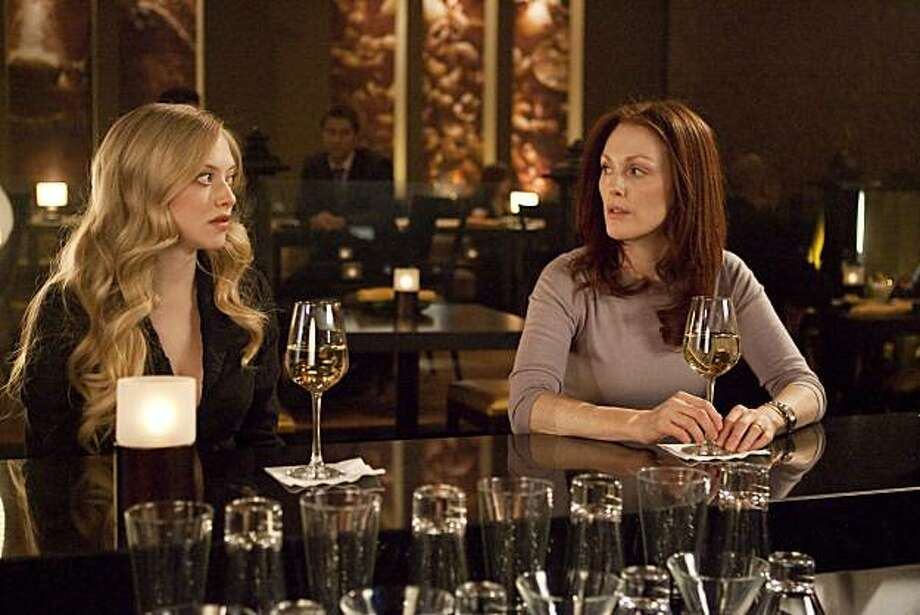 Left to Right: Amanda Seyfried as Chloe, Julianne Moore as Catherine Stewart in Chloe. Photo: Rafy, © Courtesy Of Sony Pictures Clas