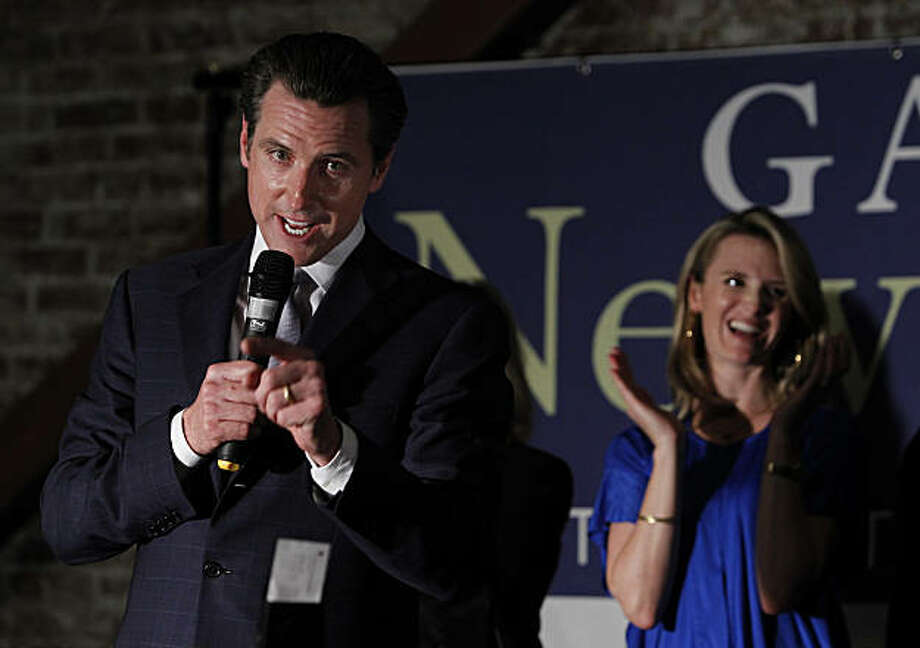 Mayor Gavin Newsom, Democratic candidate for lieutenant governor, thanks his supporters at an election night rally while his wife Jennifer looks on in San Francisco, Calif., on Tuesday, Nov. 2, 2010. Photo: Paul Chinn, The Chronicle