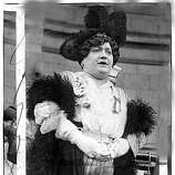 Luisa Tetrazzini. It is said that Luisa Tetrazzini, on Christmas Eve 1910, Tetrazzini broke all her contracts to give a charity performance in front of the San Fransisco Chronicle Building, attended by thousands of people.   timeline_144