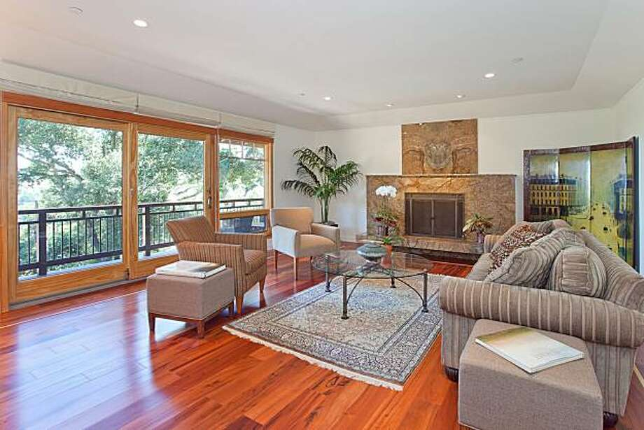 The living area at 646 Tamalpais for the real estate cover. Photo: [credit Tk]