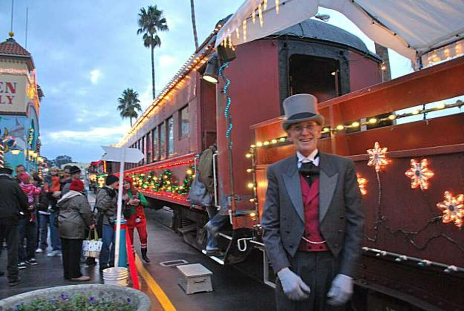 The Roaring Camp Railroads Holiday Lights Train welcomes riders to board in Santa Cruz. Photo: Roaring Camp Railroads