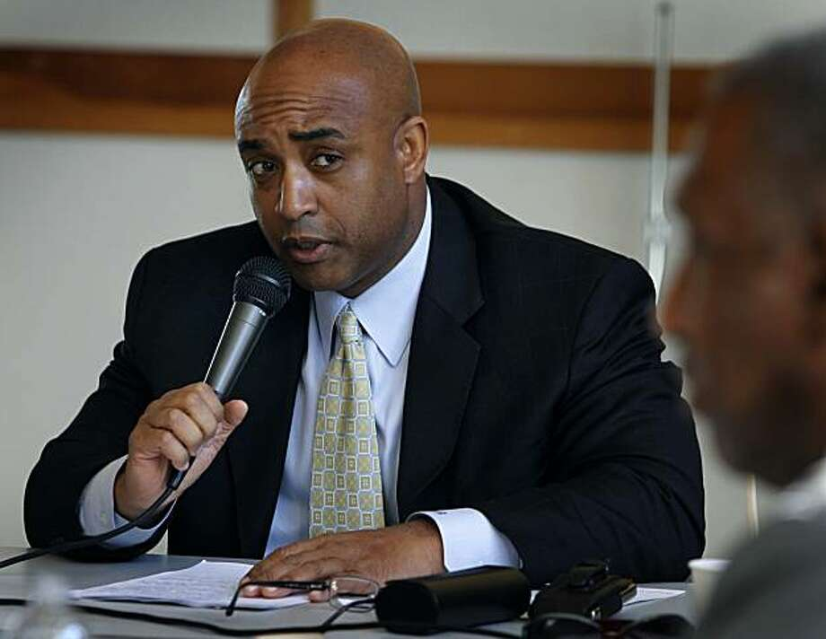 Oakland Police Chief Anthony Batts appears before a panel of NAACP officials at a public hearing in Oakland, Calif., on Thursday, Dec. 16, 2010. The meeting was called in the wake of the police shooting that killed Derrick Jones on Nov. 8. Photo: Paul Chinn, The Chronicle
