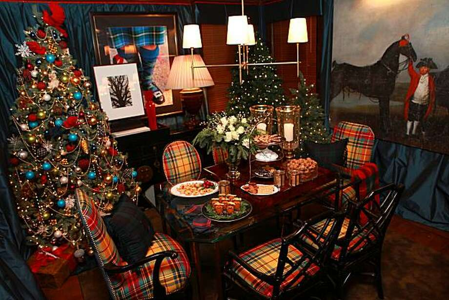 A holiday dining room designed by Scot Meacham Wood in San Francisco, Calif., on Tuesday, November 23, 2010. Photo: Liz Hafalia, The Chronicle