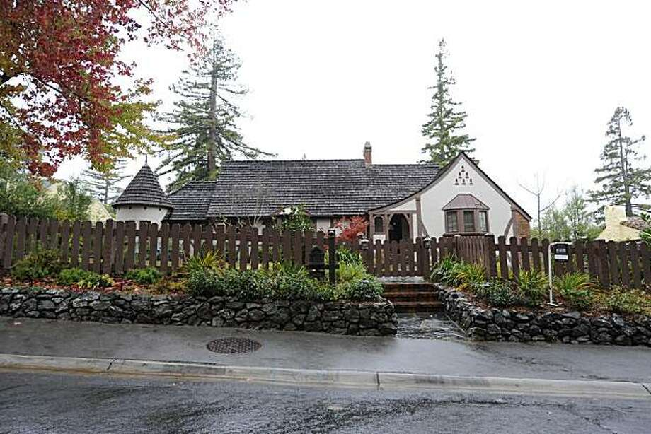 638 Woodstock for Curb Appeal. Photo: Ashley Munro, BlockShopper