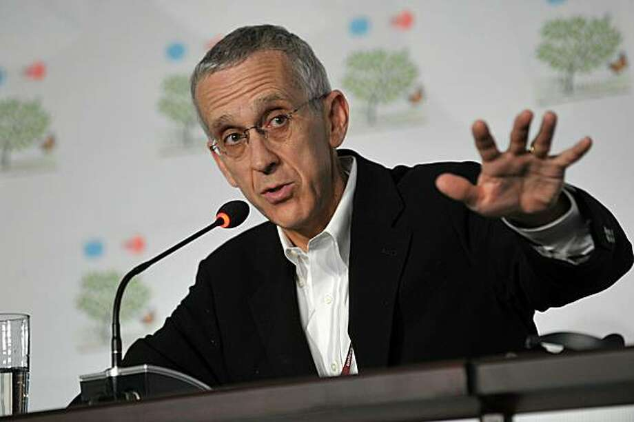 The US top Special Envoy for Climate Change, Todd Stern, participates in a press briefing at the Aztec event center on December 8, 2010, during the United Nations Framework Convention on Climate Change (COP-16) held in Cancun, Mexico. Photo: Cris Bouroncle, AFP/Getty Images
