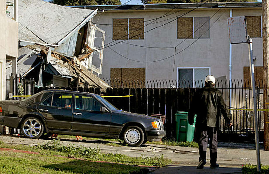 Alton Crockett visits the East Oakland duplex where his cousin, Leon Spencer, 61, was burned over 80 percent of his body in a natural gas explosion. Photo: Michael Macor, The Chronicle