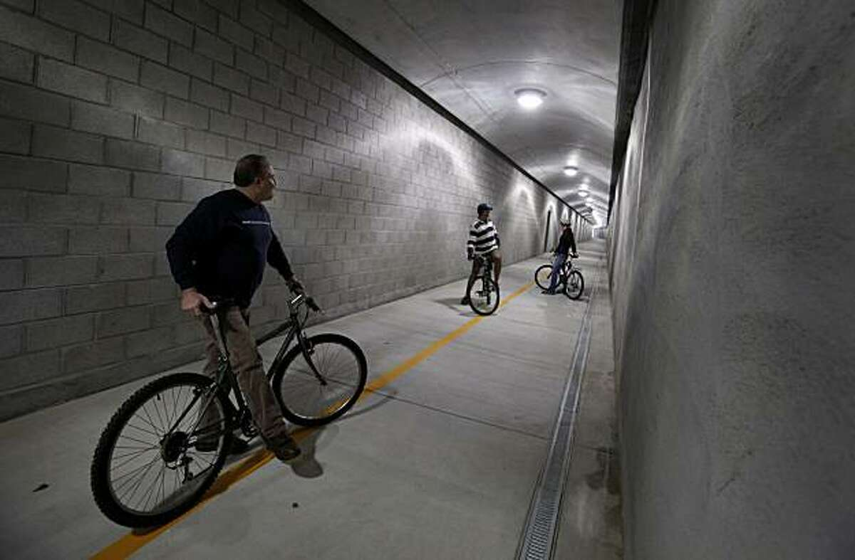 The 1100 foot tunnel has good lighting, cameras and graffiti proof cement walls. The Cal Park tunnel opens December 10, 2010 as a bicycle/pedestrian tunnel connecting San Rafael and Larkspur, Calif.