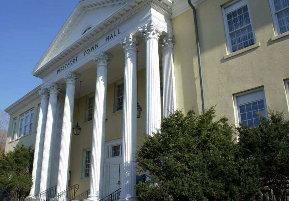 Officials at Westport Town Hall plan to hire a new personnel director. Photo: Paul Schott / Westport News