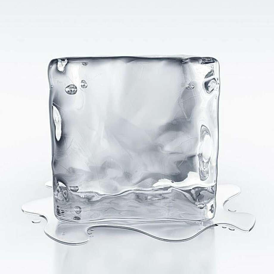giant ice cube Photo: Istockphoto.com
