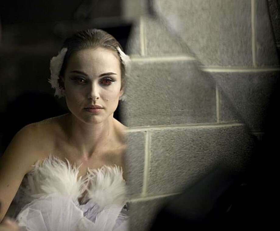 Natalie Portman in BLACK SWAN. Photo: Niko Tavernise, Fox Searchlight