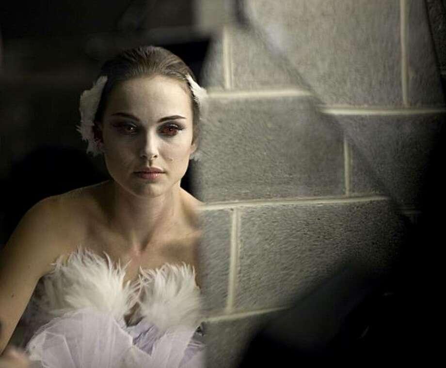 Natalie Portman in BLACK SWAN. Photo: Niko Tavernise, Fox Searchlight