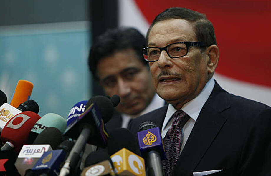 Two senior officials of Egypt's ruling National Democratic Party, NDP, Safwat el-Sherif, right and Ahmed Ezz attend a press conference at the party's headquarters in Cairo, Egypt Wednesday, Dec. 1, 2010. Egypt's top two opposition movements on Wednesday pulled out of parliamentary elections after they were all but shut out in a first round of voting, in a surprise response to widespread allegations of fraud. Photo: Nasser Nasser, AP