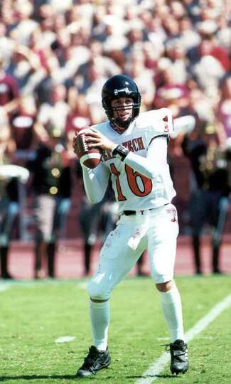 SPORTS  -  PHOTO IS 6 INCHES DEEP-    action photo of Texas Tech junior quarterback Kliff Kingsbury.