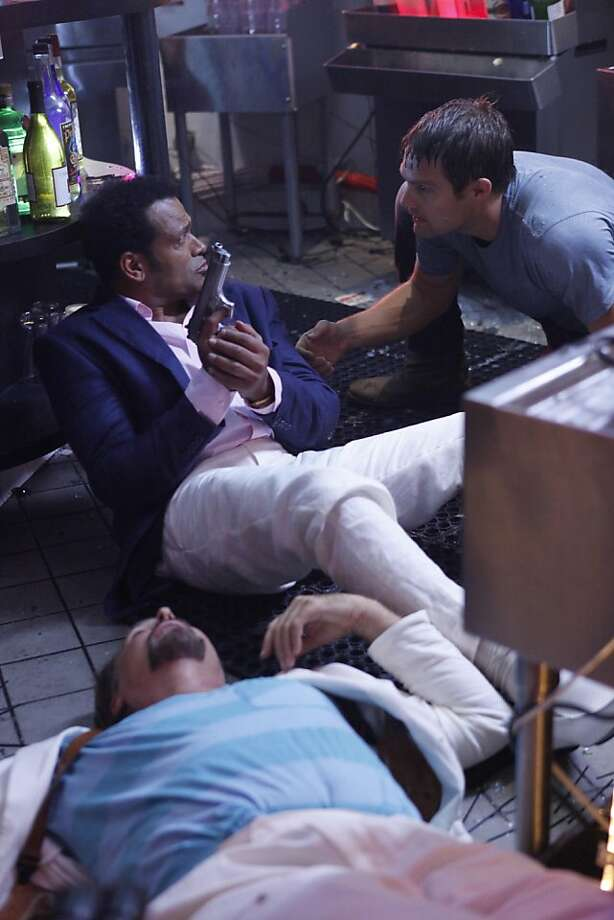 "THE FINDER:  Walter (Geoff Stults, R) makes a dangerous decision in the ""Bullets"" episode of THE FINDER, airing Thursday, Jan. 19 (9:00-10:00 PM ET/PT) on FOX.  Also pictured:  Mario Van Peebles (C) and Greg Evigan (L). Photo: Beth Dubber, Fox"