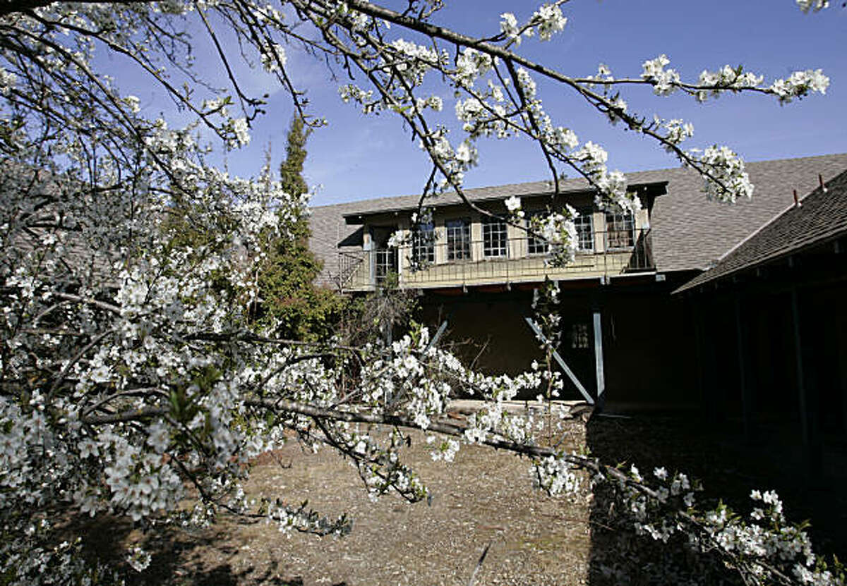 Exterior view of the Juana Briones House, Palo Alto's oldest house, in Palo Alto, Calif., Friday, March 9, 2007. The house is slated for demolition after preservationists and local officials lost a nine-year court battle to save the 160-year-old structure.