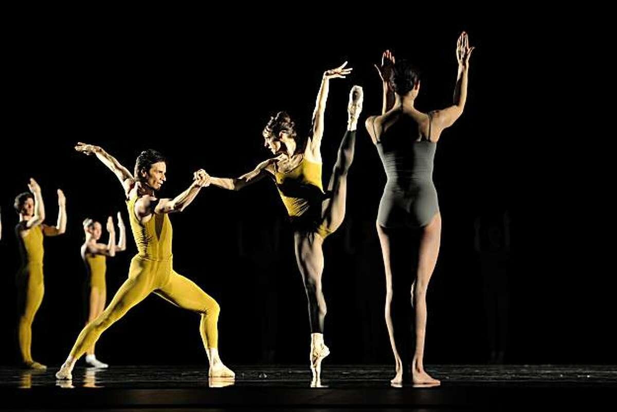 San Francisco Ballet in Forsythe's Artifact Suite.