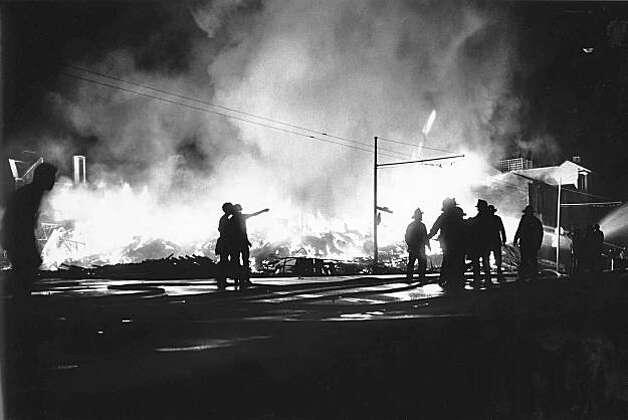 Fire on Beach and Divisadero Streets in the Marina. San Francisco, Loma Prieta Earthquake. Photo: VINCE MAGGIORA, SFC