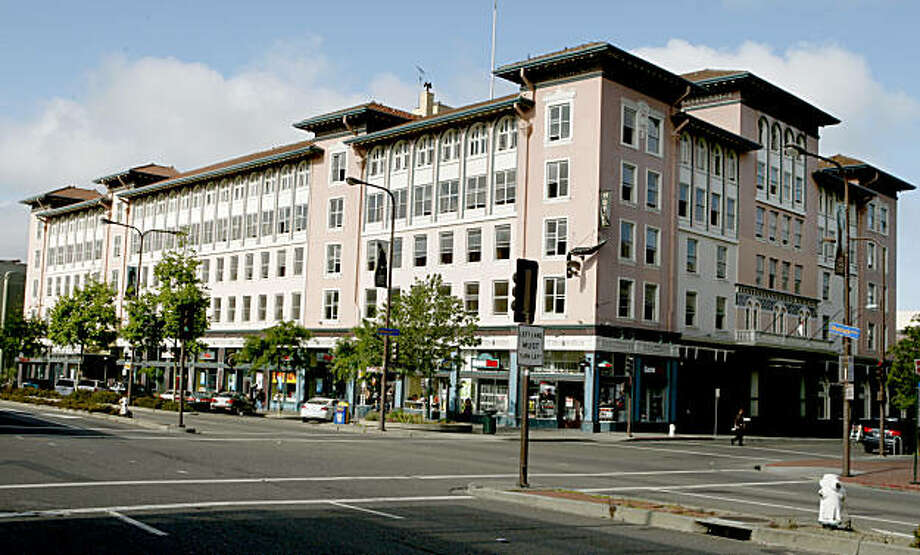 The Hotel Shattuck Plaza, currently undergoing renovation in Berkeley, Calif., on Thursday, May 29, 2008, has remained intact since the city's early days. Photo: Paul Chinn, The Chronicle