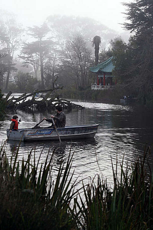 Efforts to make Golden Gate Park a landmark would conflict with the Recreation and Park Department's effort to make improvements to the Stow Lake Boat House as boaters use the lake today in San Francisco, Calif., on Monday, January 17, 2011. Photo: Liz Hafalia, The Chronicle