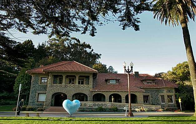 McLaren Lodge in Golden Gate Park in San Francisco on Oct. 31, 2004. Photo: Chris Hardy, The Chronicle