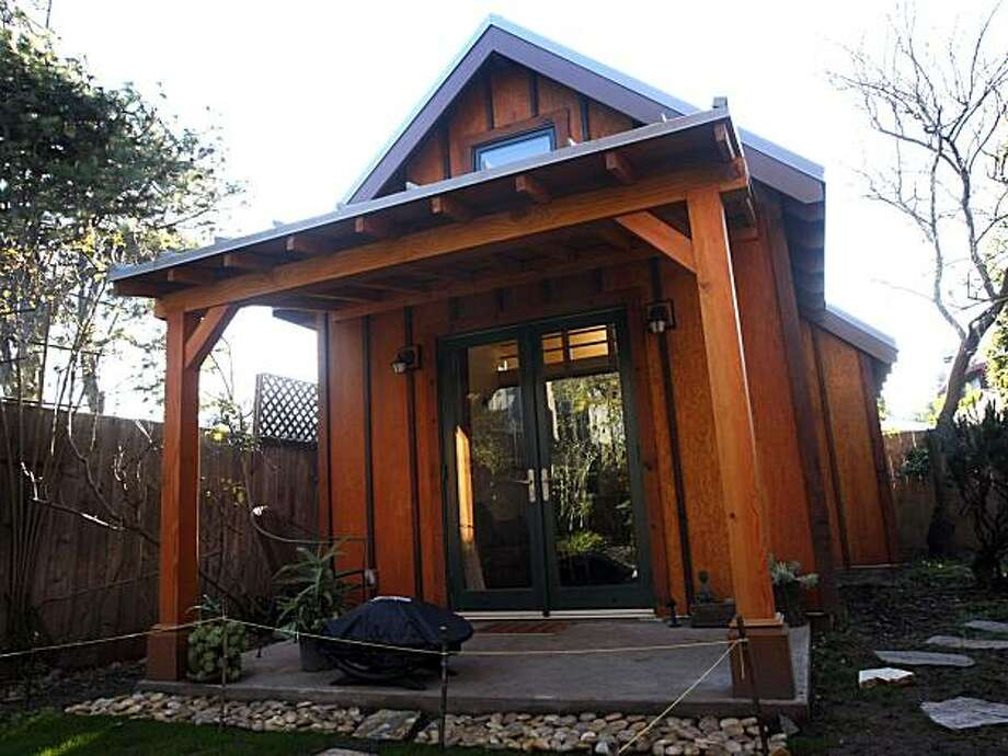 Berkeley zero net energy cottage deserves study sfgate for Zero house plans