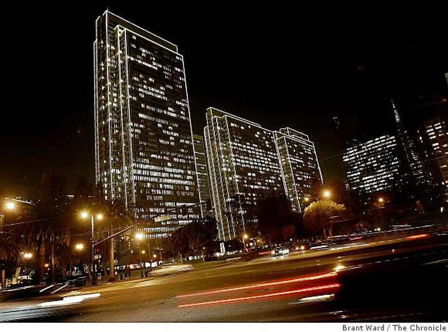The Embarcadero buildings in downtown San Francisco are using new energy saving bulbs for their Christmas lighting this year. The new bulbs will save tons of carbon dioxide. They were photographed Tuesday December 2, 2008. Photo: Brant Ward, The Chronicle