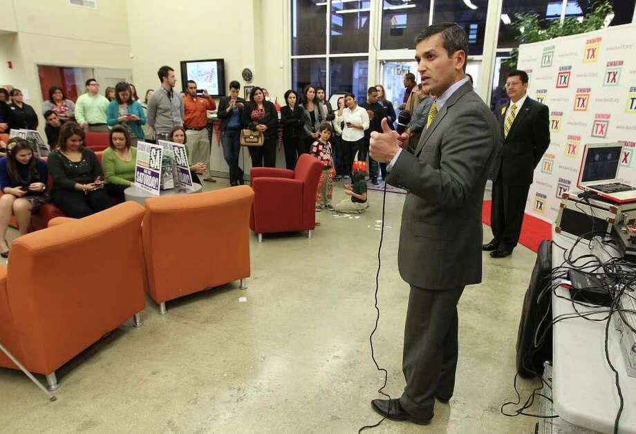 State Rep. Mike Villarreal in San Antonio Photo: KIN MAN HUI, SAN ANTONIO EXPRESS-NEWS  / SAN ANTONIO EXPRESS-NEWS