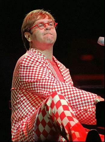 Elton John performs at his concert in the Kremlin Palace of Congresses in Moscow Tuesday, June 6, 1995. Photo: Sergei Karpukhin, Associated Press