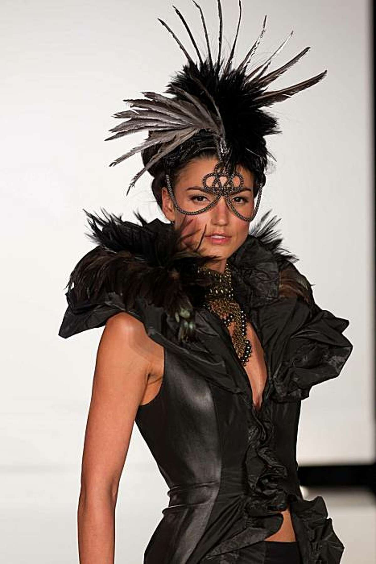 A runway image from the FYMO