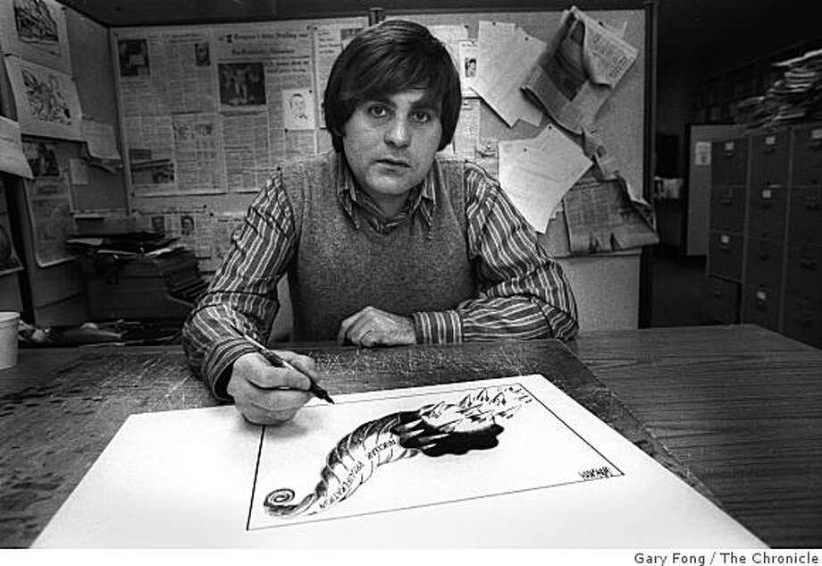 GRAYSMITH-08MAR1997-FONG - Robert Graysmith, political cartoonist for the San Francisco Chronicle, March, 8, 1977. Graysmith, now author of more than 20 books, including the Zodiac. Photo by Gary Fong Photo: Gary Fong, The Chronicle