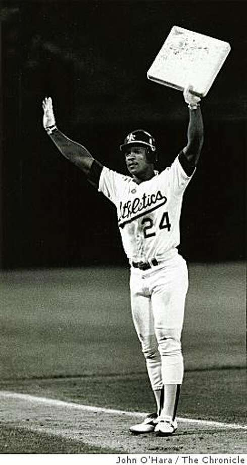 1990: Oakland A's, Rickey Henderson set a new American League record for stolen bases at the Coliseum. Photo: John O'Hara, The Chronicle