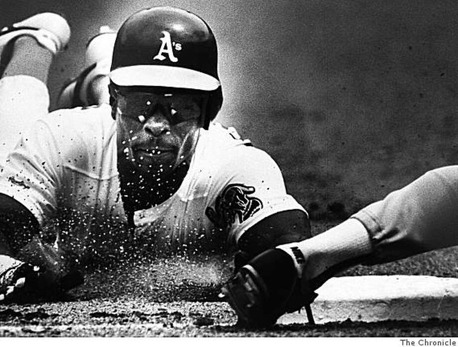 A's Rickey Henderson slides into base. Photo: The Chronicle