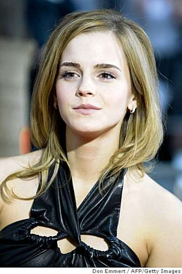 9d9bd7652968 Emma Watson arrives at the New York premiere of Harry Potter and the Half- Blood