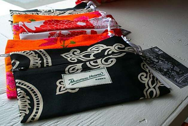 Vintage aloha wear becomes colorful clutches at Mu'umu'u Heaven in Kailua. Photo: Courtesy Mu'umu