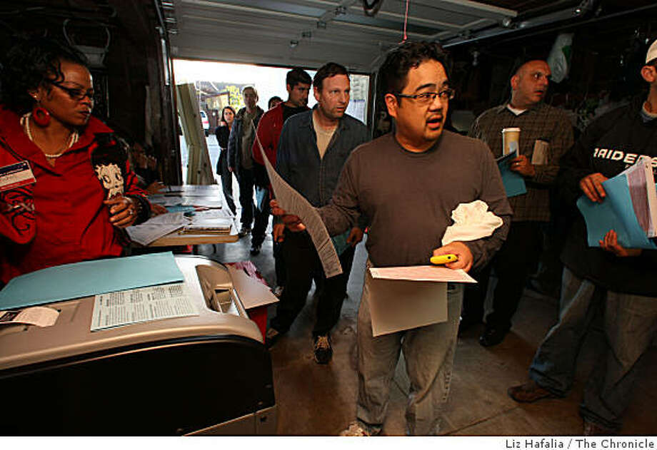 Bruce Reyes-Chow came 10 minutes before 7:00 am to vote at 107 Congo St. in San Francisco, Calif., on Tuesday, November 4, 2008. Photo: Liz Hafalia, The Chronicle