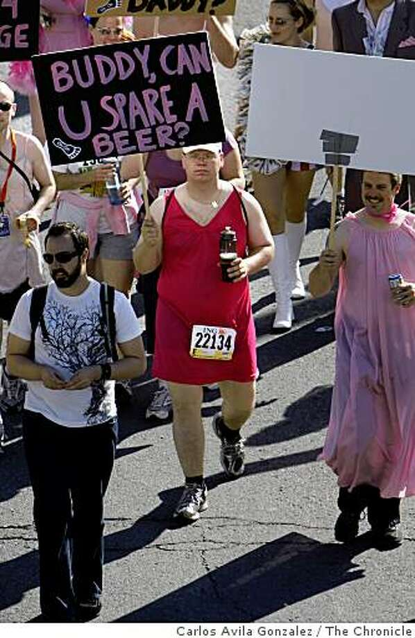 The 98th running of the Bay to Breakers. On hand were the usual costumed runners. Photo: Carlos Avila Gonzalez, The Chronicle