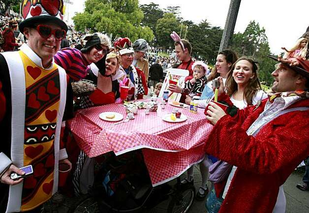 It was a family affair for the Bay to Breakers in Wonderland float. Thousands took part in the 99th annual ING Bay to Breakers event  Sunday morning May 16, 2010 in San Francisco, Calif. Photo: Brant Ward, The Chronicle