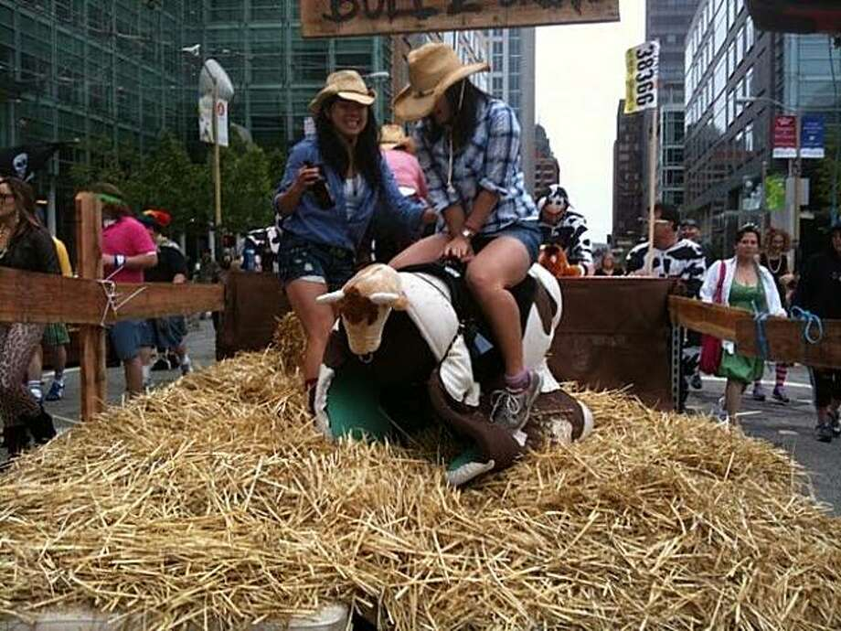 Cowgirls on a float during the 2010 Bay to Breakers. Photo: Wooac