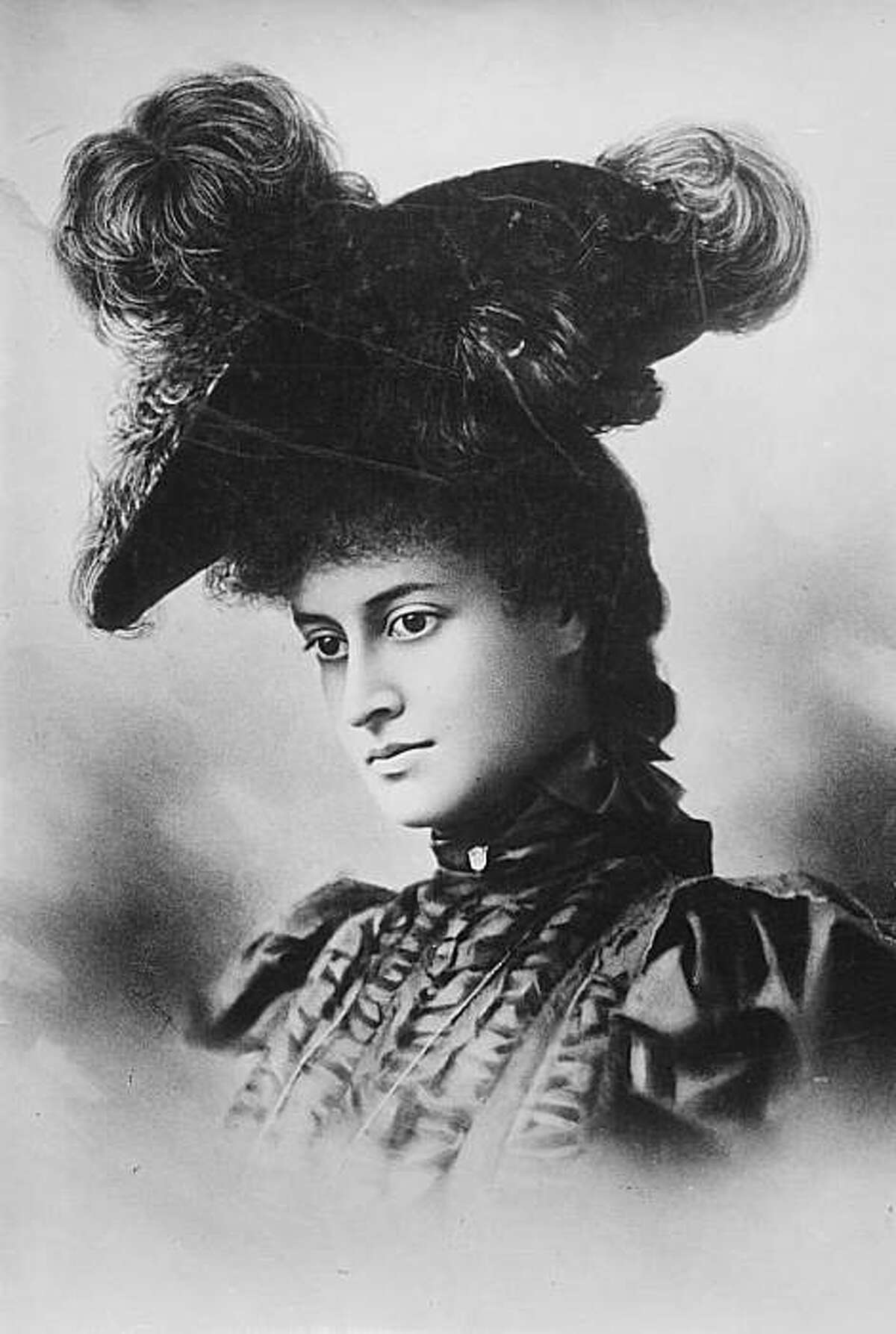 In this undated photo of Princess Ka'iulani, she appears to be dressed in mourning -- perhaps for the loss of Hawaiian independence.