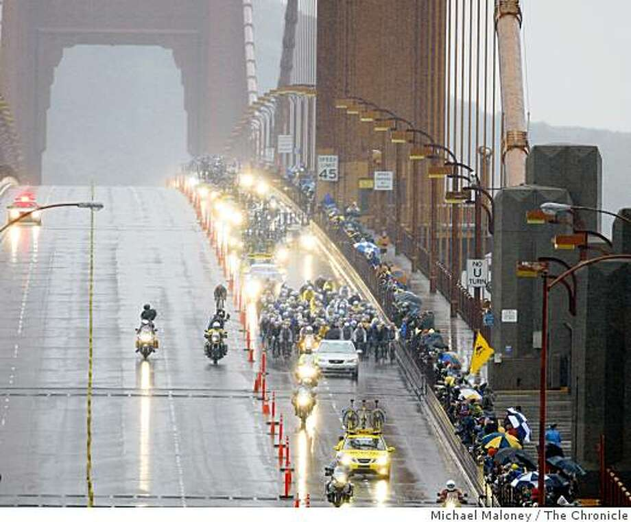 The peloton rides over the Golden Gate Bridge during Stage 2 of the 2009 Amgen Tour of California bicycle race, which started in Sausalito, Calif., on Monday, February 16, 2009 and ended in Santa Cruz. Photo: Michael Maloney, The Chronicle