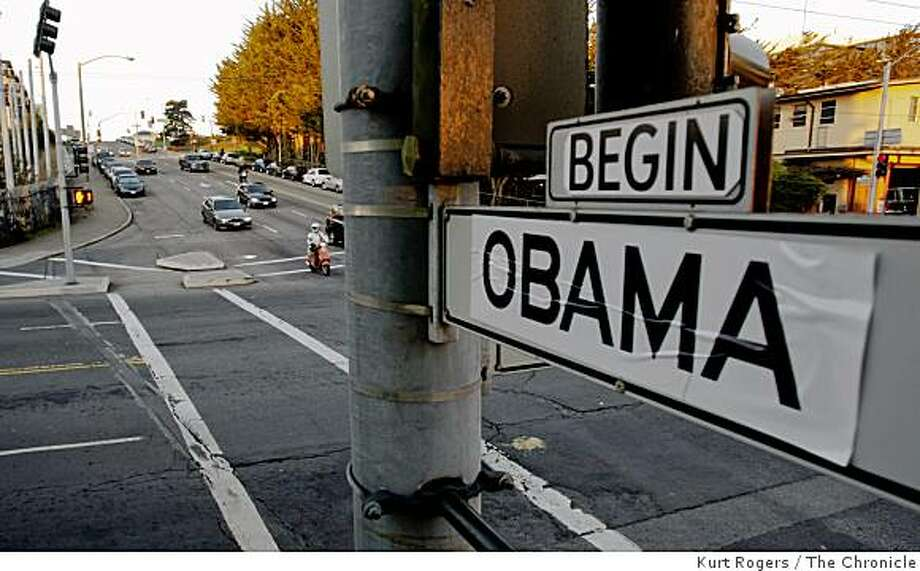 "Normally this street sign would say ""END BUSH"", but all the signs on Bush St. have been changed to ""BEGIN OBAMA"" on Tuesday January 20,  2009, in San Francisco, Calif. Photo: Kurt Rogers, The Chronicle"