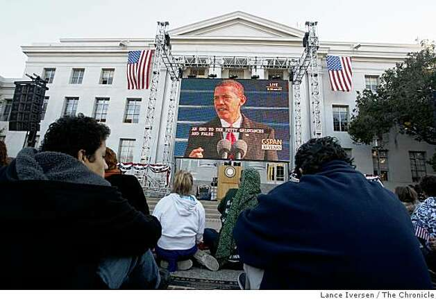 Thousands attended UC Berkeley's Sproul Plaza on Tuesday Jan 20, 2009, to view the inauguration of Barack Obama, the 44th President of The United States. Photo: Lance Iversen, The Chronicle