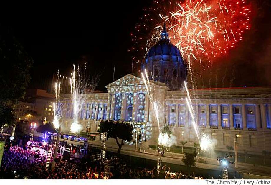 The sky fills up with fireworks as the midnight surprise for the guest at the  Black and White Ball Saturday May 31, 2008, in San Francisco, Calif. Photo: Lacy Atkins, The Chronicle