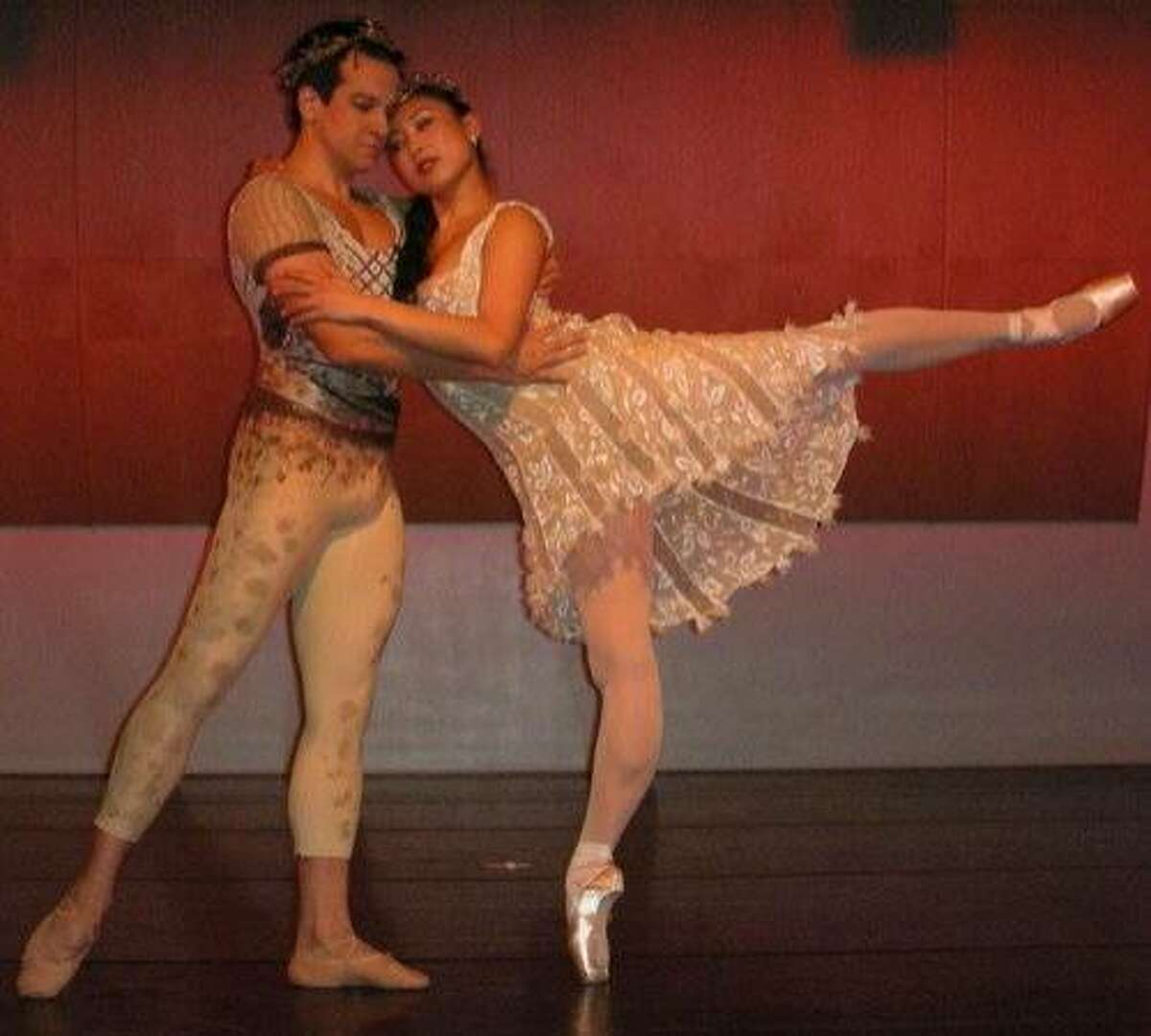 Attached photo: Jekyns Pelaez and Mayo Sugano in the pas de deux from A Midsummer Night's Dream, choreographed by Christopher Stowell. Photo: Erika Johnson
