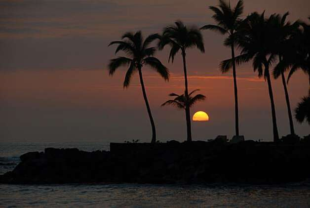 The sun sets over Microsoft co-founder Paul Allen's compound in Kailua-Kona. Photo: Jeanne Cooper, Special To The Chronicle