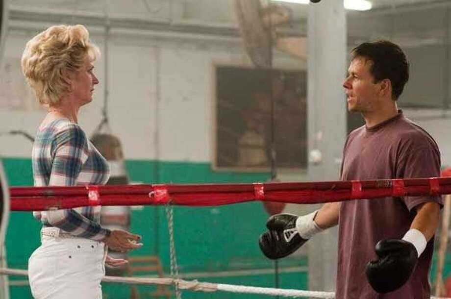 Melissa Leo and Mark Wahlberg in THE FIGHTER Photo: Cinema.com